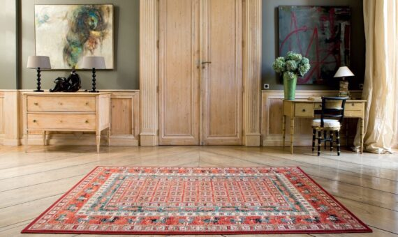 Beautiful red rug in room